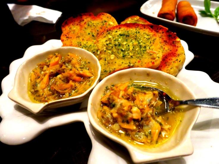sarımsaklı ekmek ve deniz tarağı