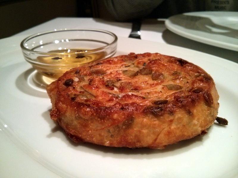 Asitane- bezelyeli börek