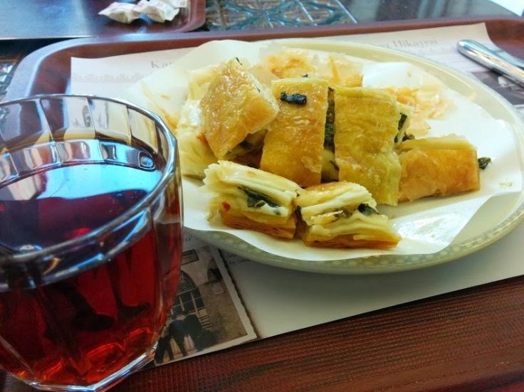Ispanaklı Börek Güllüoğlu
