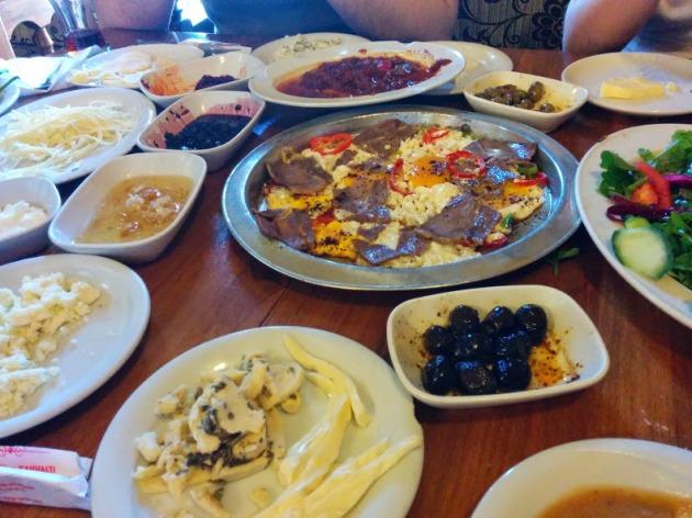 mustafa'nın Kahvaltı Dünyası