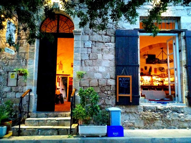 Monk's Inn Mağusa