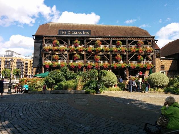 Dicken's Inn